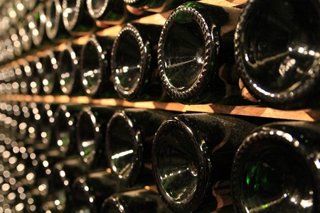 Para Que Serve a Cavidade do Fundo da Garrafa de Vinho?